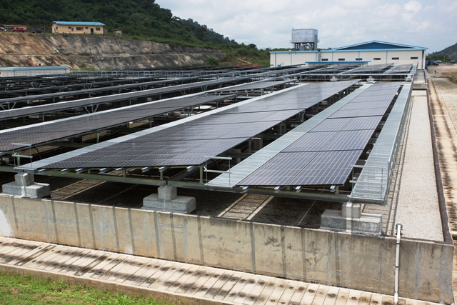 Fashola Commissions 1 2mw Solar Power Plant In Abuja