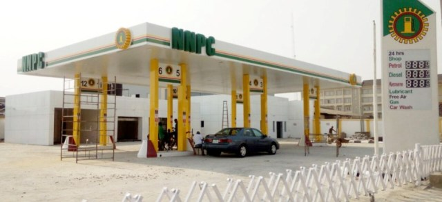 Umrah Banner: NNPC CLEARS FUEL QUEUES IN ABUJA, LAGOS